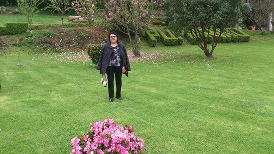 Pumariño: despues de un buen chuleton visita por el jardin