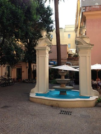 Domus Romana Hotel : Atrio