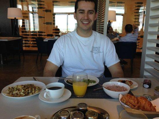 The Ritz-Carlton Herzliya: Breakfast buffet