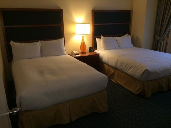 DoubleTree Suites by Hilton Hotel New York City - Times Square: Picture of our 2-bedroom suite upon arrival.