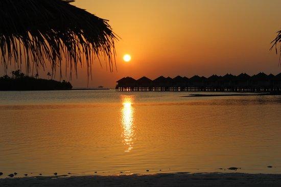 Cinnamon Dhonveli Maldives: Sonnenaufgang 6 Uhr
