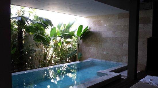 Avista Hideaway Phuket Patong, MGallery by Sofitel: Poolvilla ohne Fenster und sehr teuer