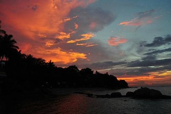 Turi Beach Resort: Sunset by the beach