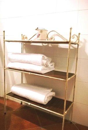 Montecorneo Country House : Dettagli del bagno