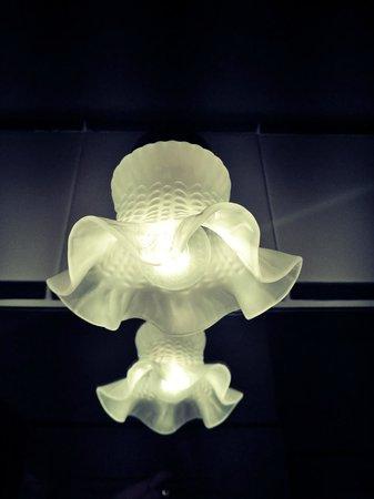 Montecorneo Country House : Le lampade dei bagni, sempre il sitle