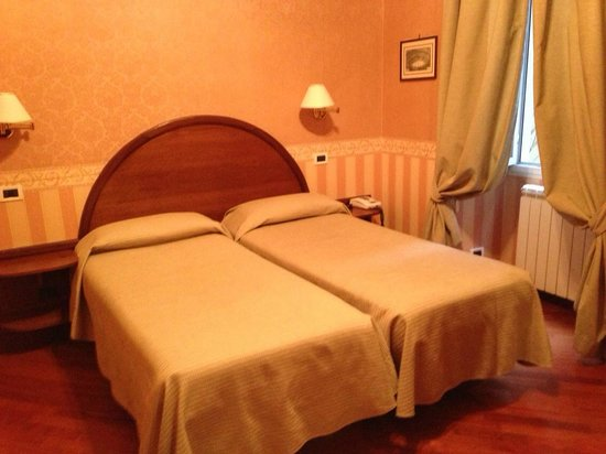 Hotel St. Moritz: Twin Room