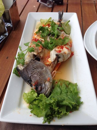 Cape Sienna Hotel & Villas : Steamed fish from sienna rocks