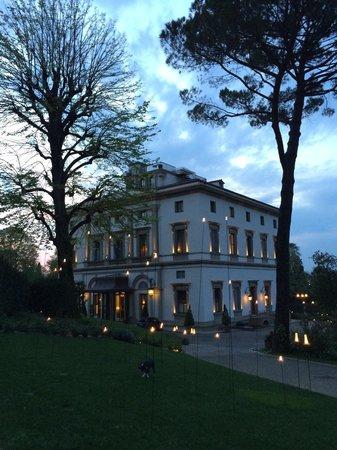 Villa Cora : Atmosfera serale