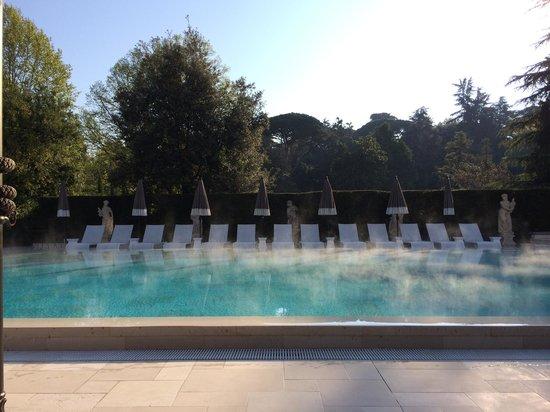 Villa Cora : La piscina all alba