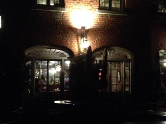 Cafe Amelie : 8:00 pm Reservation