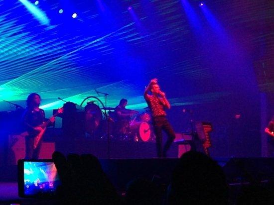 Hard Rock Live : Concert w/ laser light show