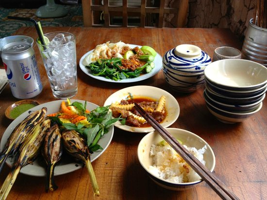 Secret Garden Home-cooked Vietnamese Restaurant: My amazing meal - ate everything up!