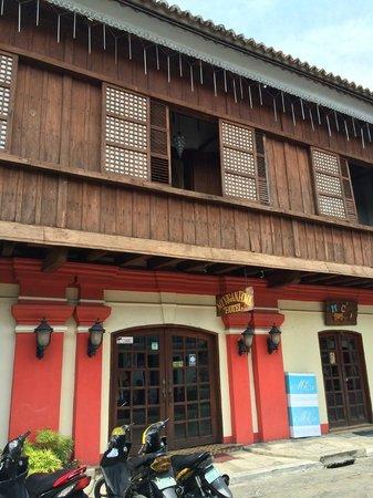 My Vigan Home Hotel: Hotel Exterior