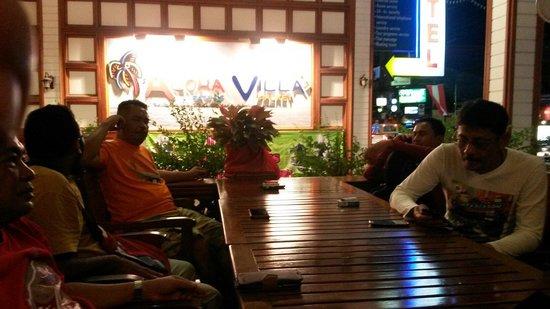 Days Inn Patong Beach Phuket : Restaurant at lobby empty