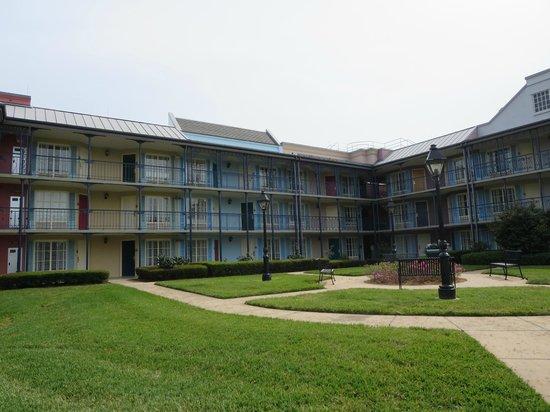 Disney's Port Orleans Resort - French Quarter : ホテル棟