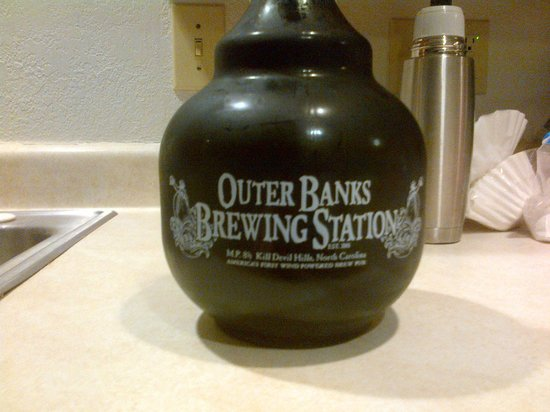 Outer Banks Brewing Station : front of growler