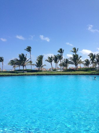 Hard Rock Hotel & Casino Punta Cana: Center Pool
