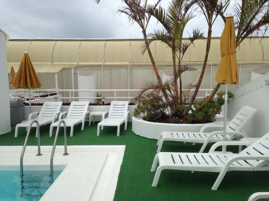 Astoria Hotel : Fin takterrass med pool.
