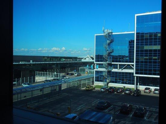 Hilton Helsinki Airport: スタンダードルーム 眺め