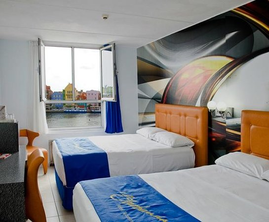 Otrobanda Hotel and Casino : Bay View Room (free WiFi)