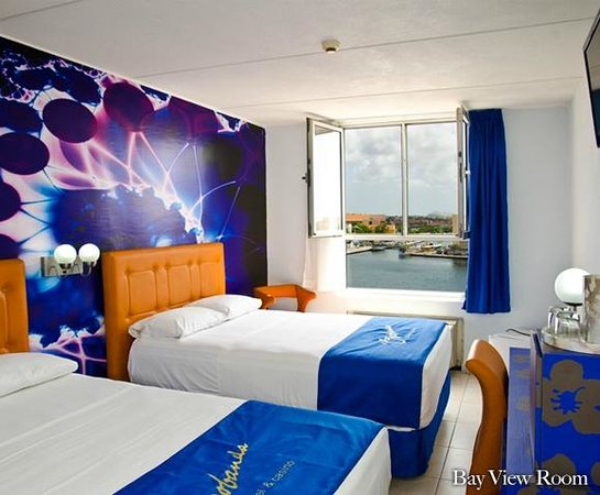 Otrobanda Hotel and Casino: Bay View Room (free WiFi)