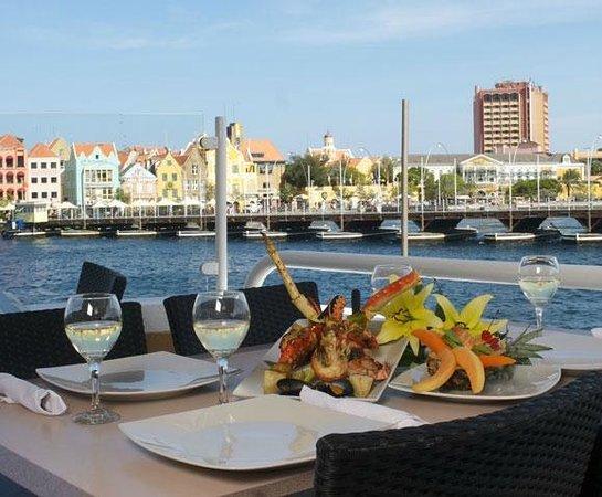 Otrobanda Hotel And Dining At Restaurant La Bahia