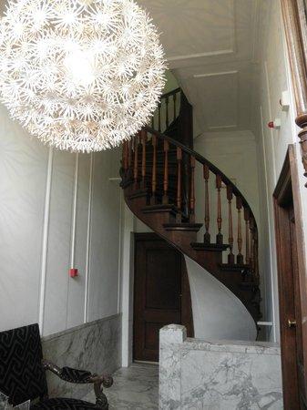 Hotel Keizershof: 2階のエントランスは他のオフィス専用