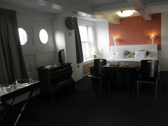 Hotel Keizershof: 広々とした居心地良い部屋