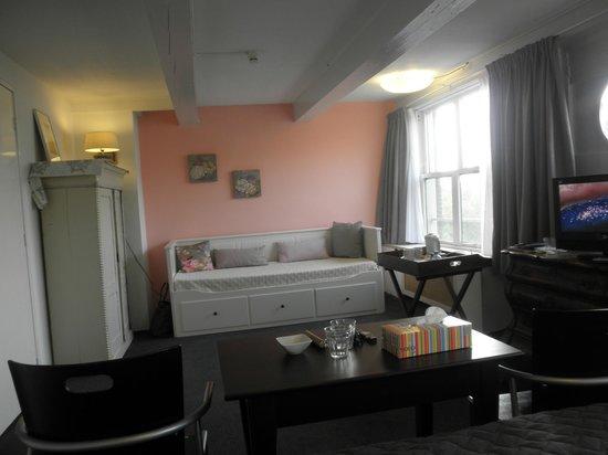 Hotel Keizershof: 大きなソファーベッドもあります
