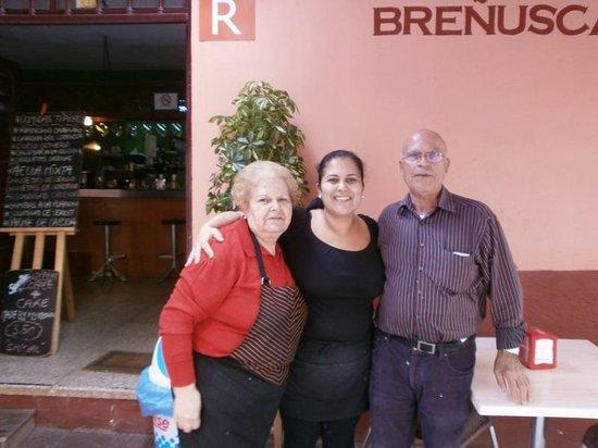 Restaurante Brenusca: Judith, son père et sa mère ( cuisine et service)