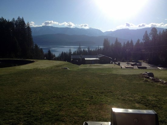 Kootenay Lakeview Spa Resort & Event Centre: View of Kootenay Lake