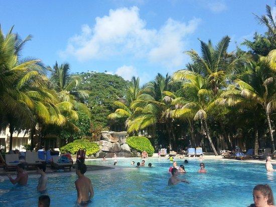 Canonnier Beachcomber Golf Resort & Spa: la vue sur la piscine