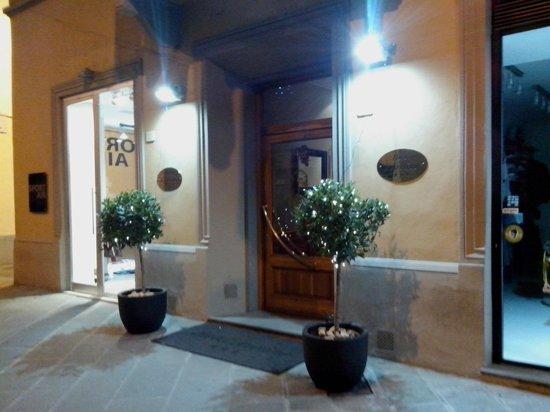 Hotel L'Aretino: Главный вход