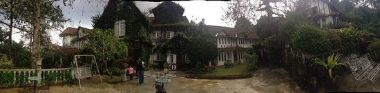 Planters Country Hotel & Restaurant : The Panorama view of the back of the chalet