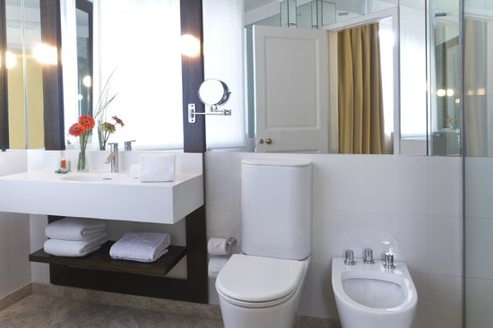 NH Collection Buenos Aires Lancaster: Bathroom