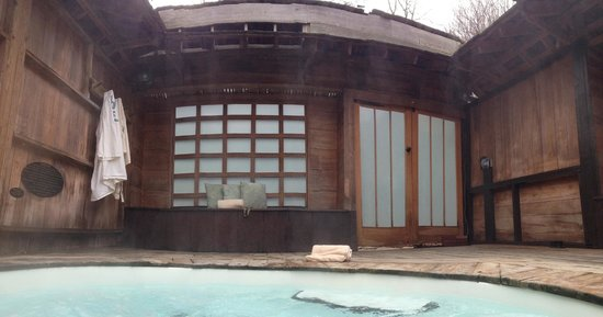 Shoji Retreats: The inside of the private hot tub area