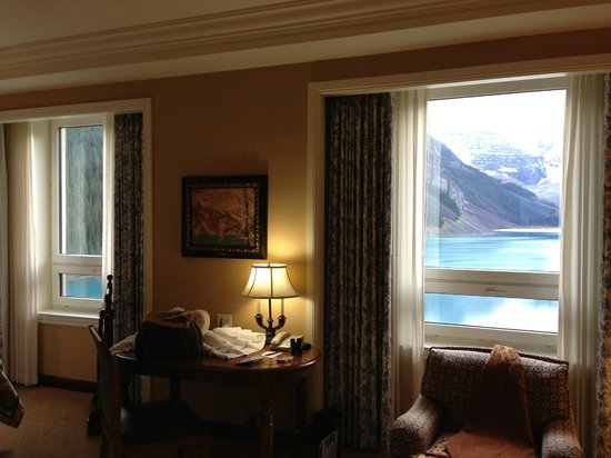 Gold Floor Suite Picture Of Fairmont Chateau Lake Louise