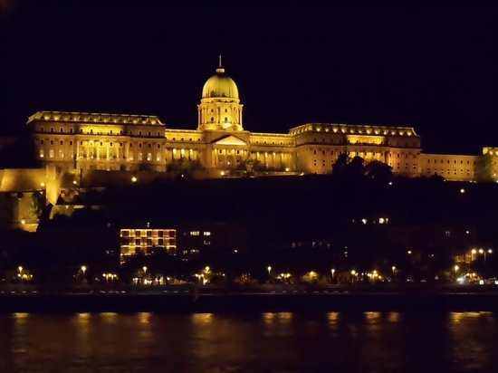Free Budapest Walking Tours: The Budapest Castle