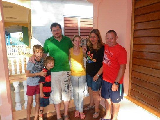 Casa Leyani y Osvedy : Por unos días, nuestra familia