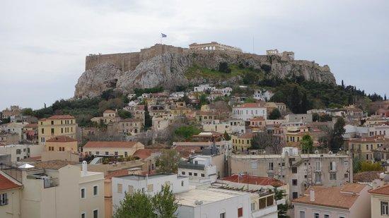 Central Hotel Athens : вид из окна номера