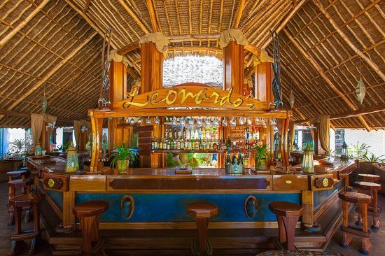 Leonardo's Restaurant: Bar