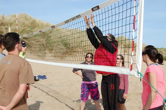 Croyde, UK: Teaching some of the move-the block