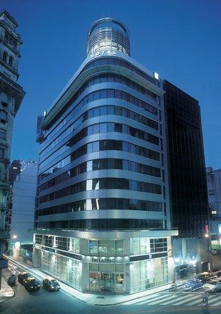 Hotel NH Buenos Aires Latino: Hotel Facade