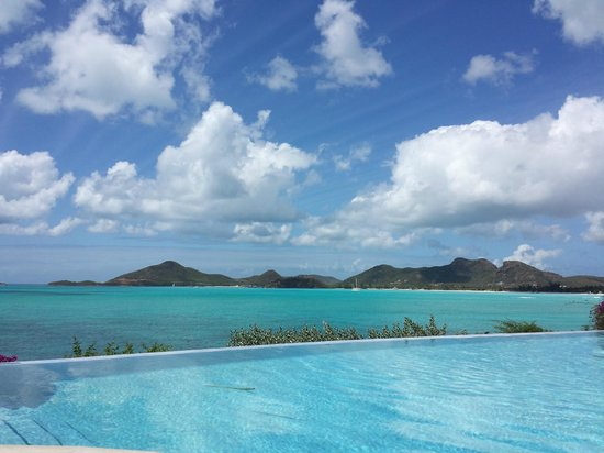 Cocobay Resort: Piscina infinity