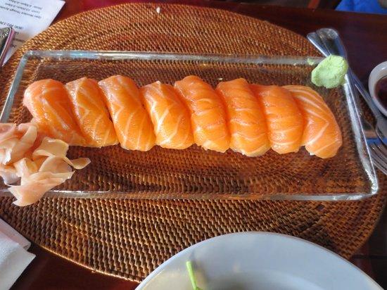 Cafe O'Lei Kihei : Salmon Sushi