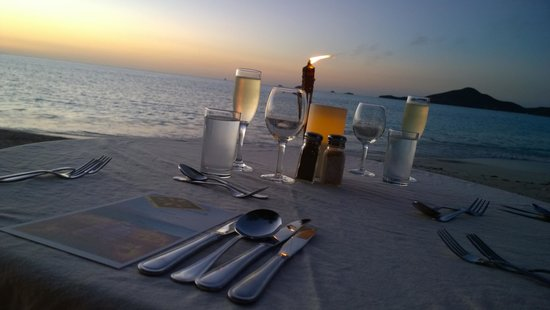 Cocobay Resort : Cena romantica sulla spiaggia