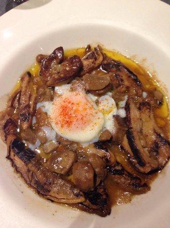 Restaurante Urbano: Cèpes et œufs cuit à 65 degrés ! Délicieux !!