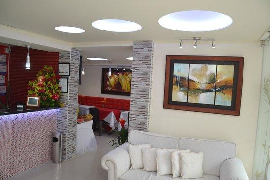 Hotel Marina Suites : Recepcion