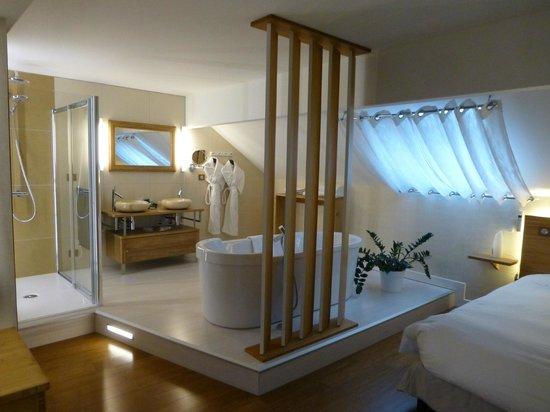 Hotel-Restaurant de la Poste : salle de bain