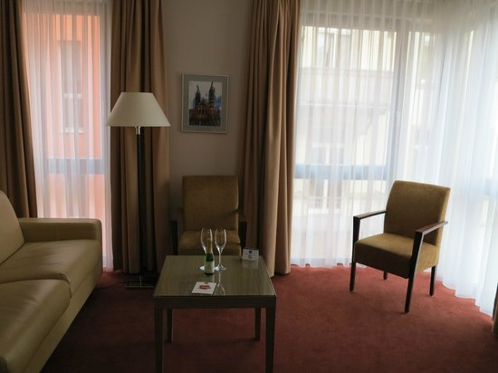 BEST WESTERN Hotel Bamberg: Lounge area in suite